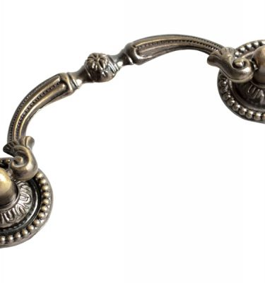 Classical Handles & Knobs